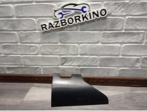 Клык бампера задний правый Renault Kangoo2, 8200557183