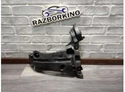 Кронштейн бампера заднего правый Renault Kangoo 2, 8200435438