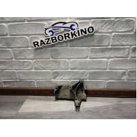 Кронштейн двигателя правый Renault Kangoo 2, 8200871583