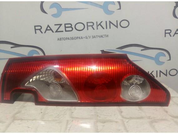 Фонарь задний правый (распашонка) Renault Kangoo II 8200419945, 8200419952