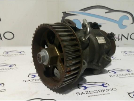Топливный насос ТНВД 1,5 Dci Renault Kangoo II 8200057225