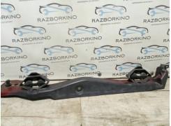 Кронштейн крыла переднего левый Renault Laguna III 901270001R