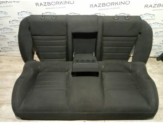 Задние сидения (диван) Renault Laguna III