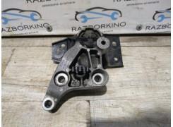 Подушка двигателя правая Renault Laguna 3