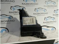Корпус блока предохранителей Renault Laguna III 2.0 dci 240110510R