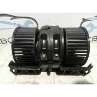 Моторчик (вентилятор) печки Renault Megan III 272108241R