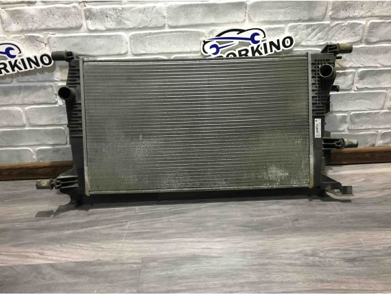 Радиатор основной 1.5 cdi Renault Megane 3\III 214105150R
