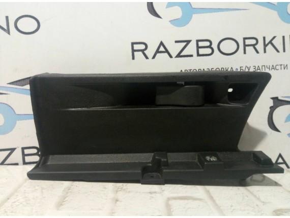 Накладка в багажное отделение левая Renault Megane III 849510036R