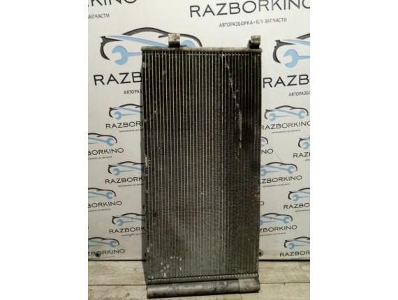 Радиатор кондиционера Renault Megane III 921100002r