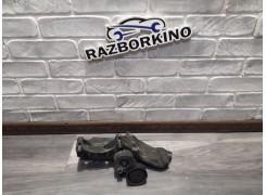 Ролик ремня генератора с кронштеином натяжной Renault SANDERO 117501083R  (Рено Сандеро)