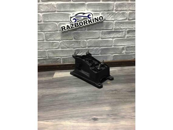 Кронштейн кулисы КПП Renault Scenic III 8200830092