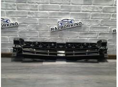 Решетка радиатора внутренняя 620300101R Renault Trafic